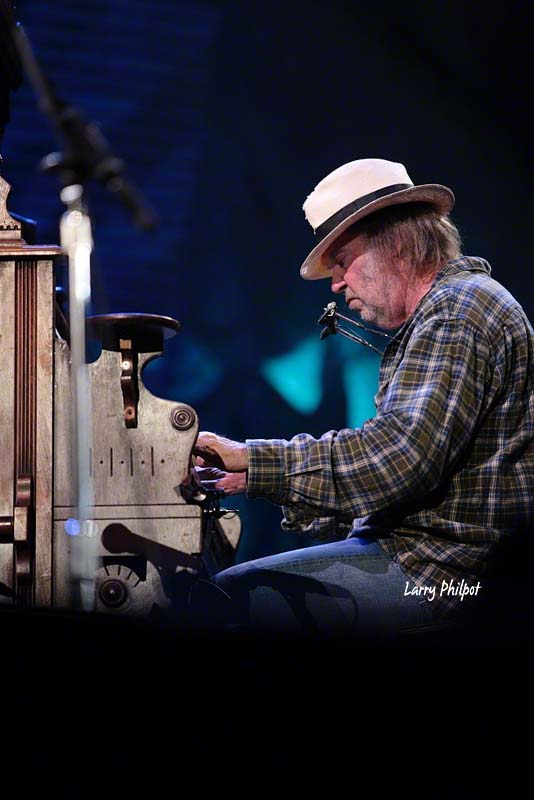 Neil Young_5054690497_l