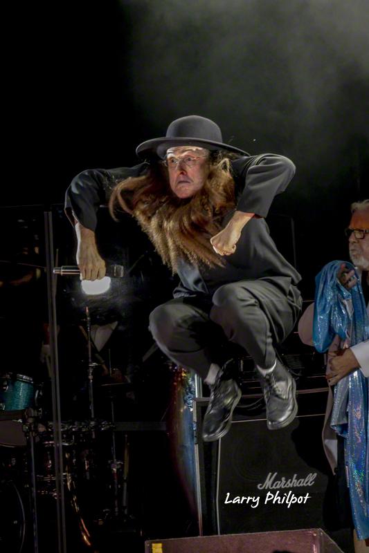 Weird Al as an Amish maniac, in Indianapolis.